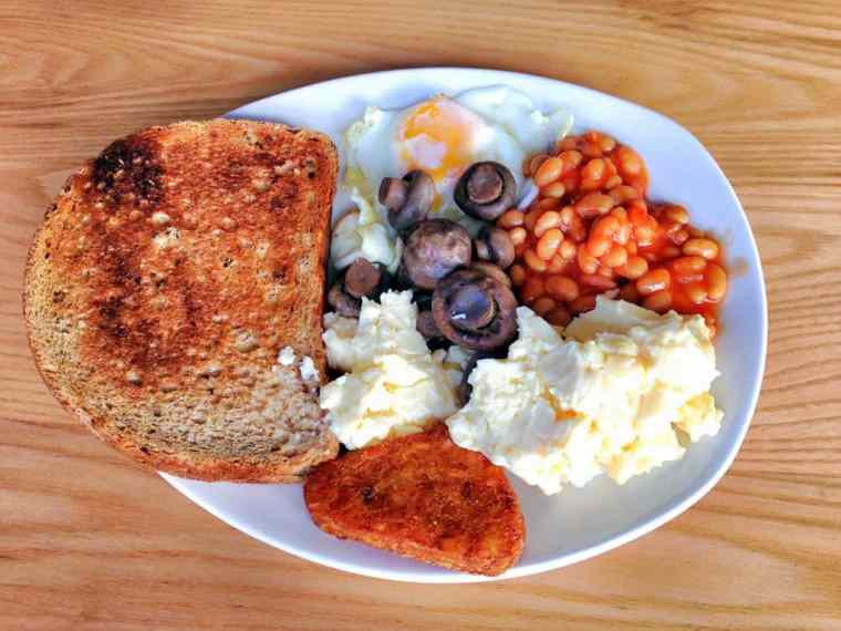 English breakfast - vegetarian option.