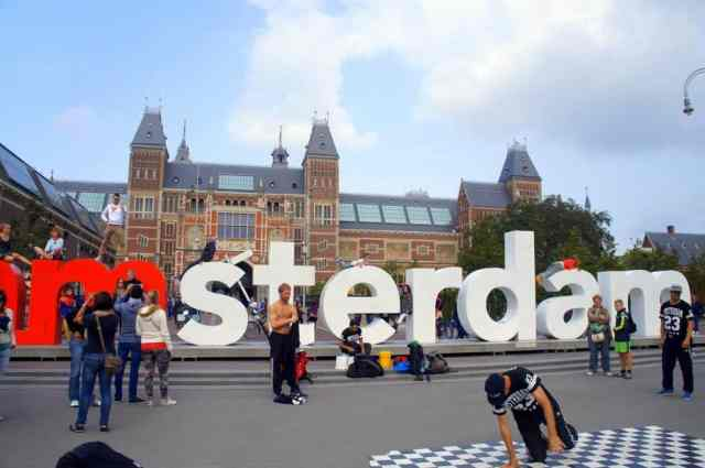 Street performance at Iamsterdam