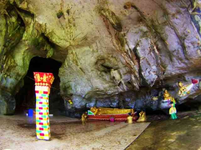 Elephant-Cave-Vang-Vieng