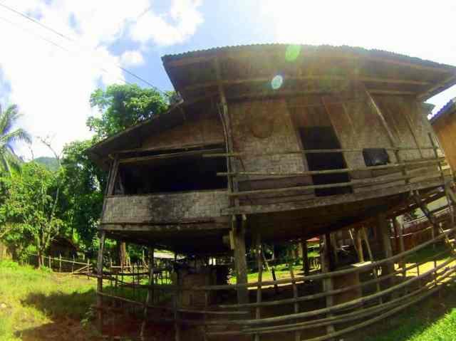 Hmong-Homes-Vang-Vieng