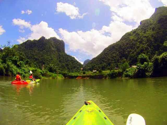 Kayak-with-Vang-Vieng-View