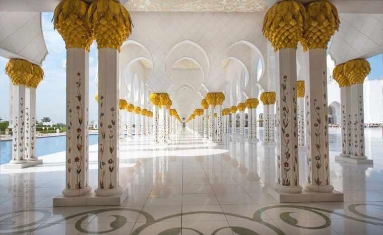 white mosque abu dhabi