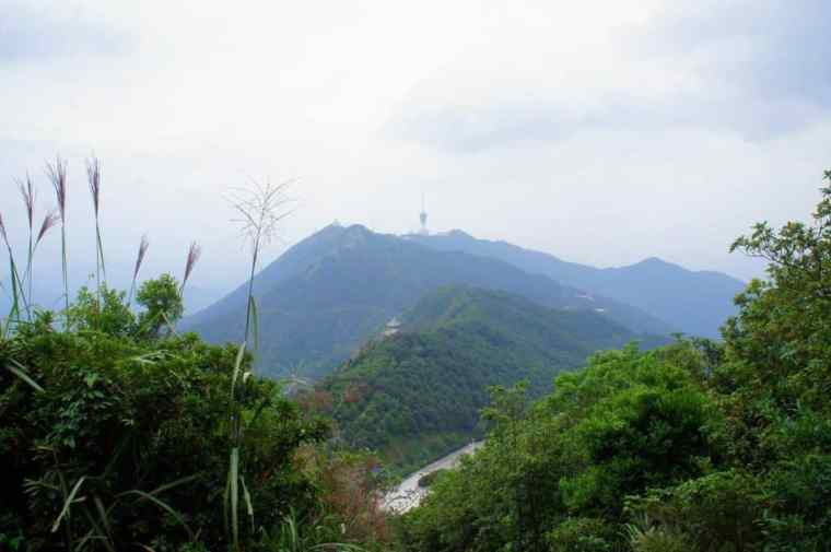 The beautiful view on the way. Wutong, Shenzhen.