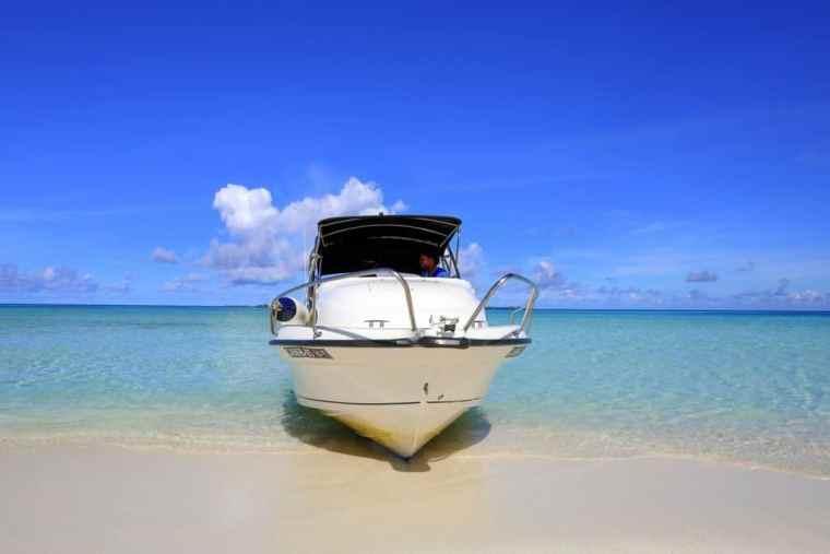 speed boat the Maldives