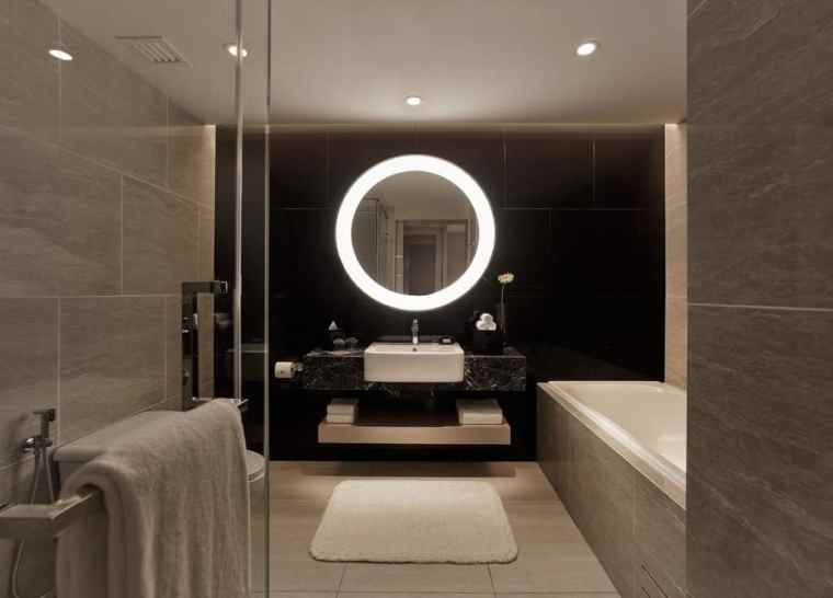 Bathroom at the Renaissance by Marriott, Kuala Lumpur