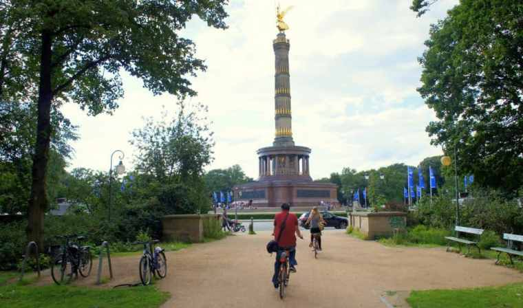 Cycling around the Victory Column in Berlin