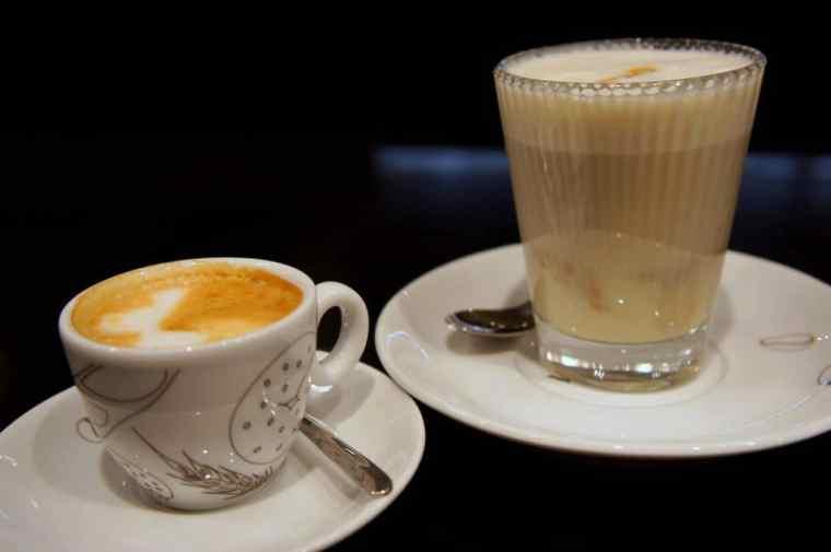 Coffee at V y TA