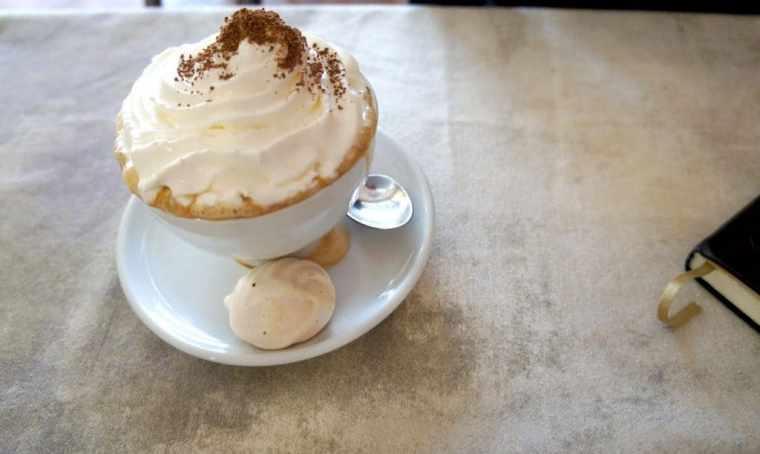 Coffee at Viktors Snackbar
