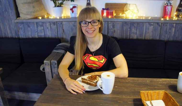Coffee and cake at Manufactura cafe
