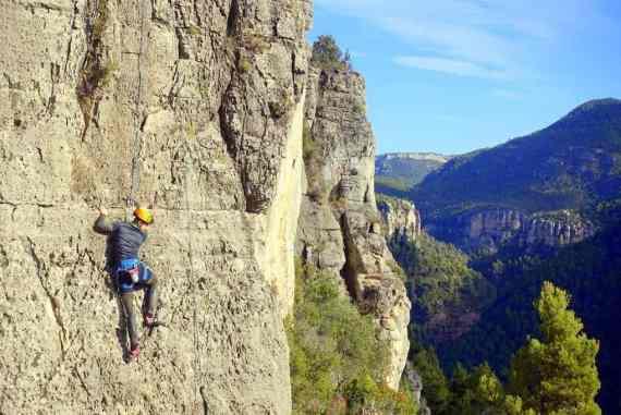 Cez rock climbing