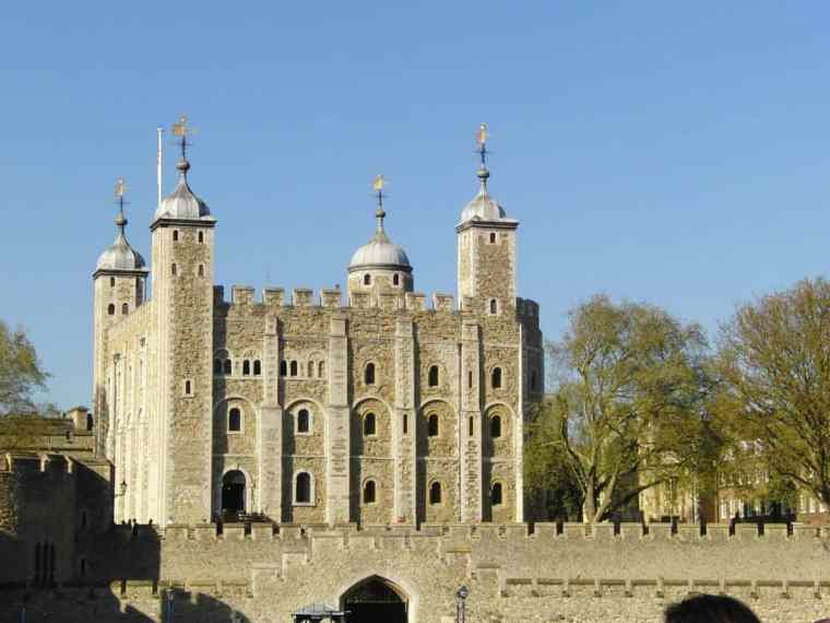 Tower of London building viewed from the outside