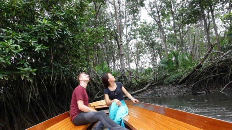 Cez and Lydia explore the waterways on their Brunei itinerary