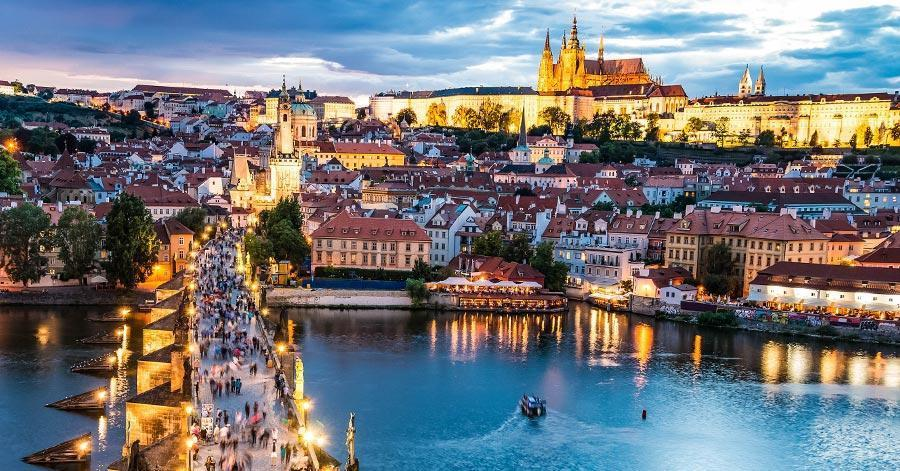 8 Reasons to Visit Prague, An Incredible and Romantic Place