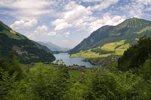 Vue d'un lac en Suisse