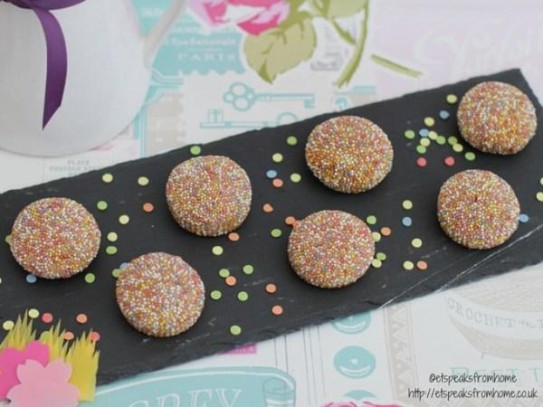 hundreds and thousands mini cookies