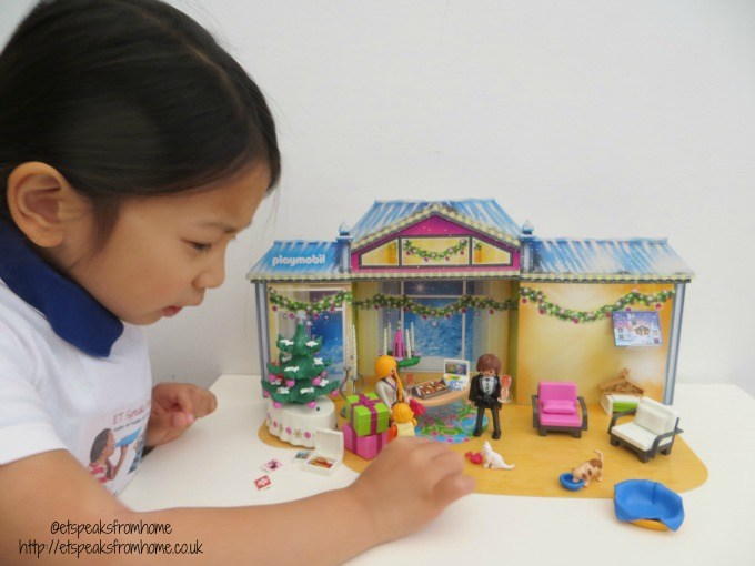 playmobil christmas room advent calendar playing