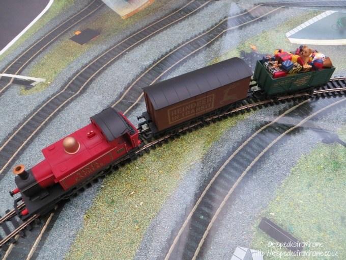 hornby santa's express trains