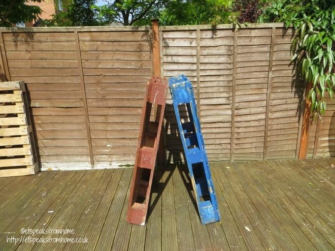 pallets climbing frame A frame