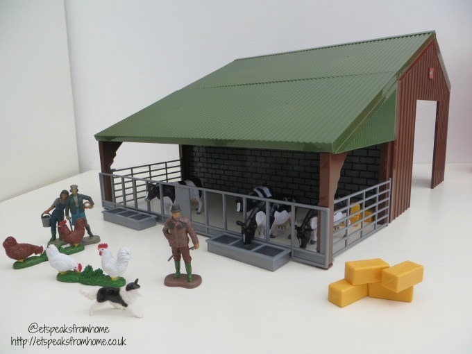britains farm building set