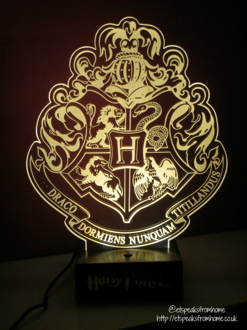 harry potter hogwarts crest light on