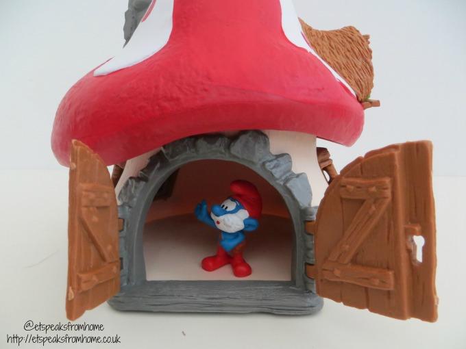 Schleich Smurf House with Papa Smurf