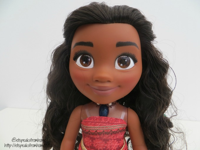 Jakks Pacific singing Moana eye