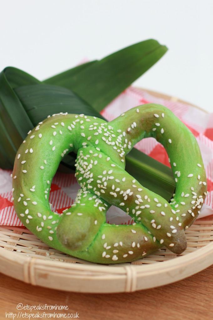 pandan pretzels easy to make