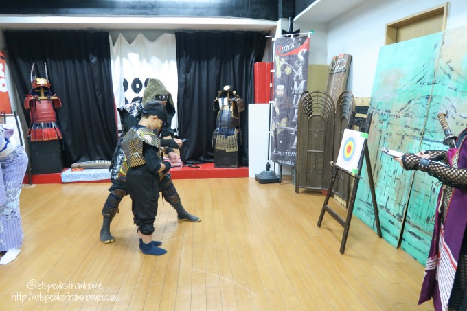 Learning Samurai in Osaka - Japan Tatedo Association throwing ninja