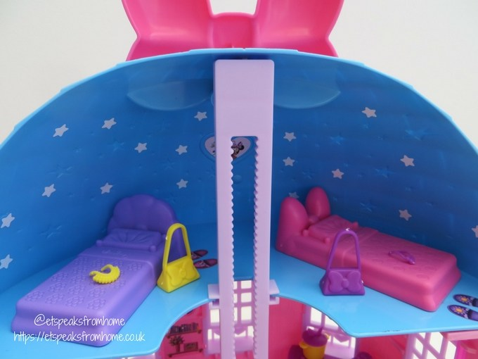 Minnie Mouse Happy Helpers House Review bedroom