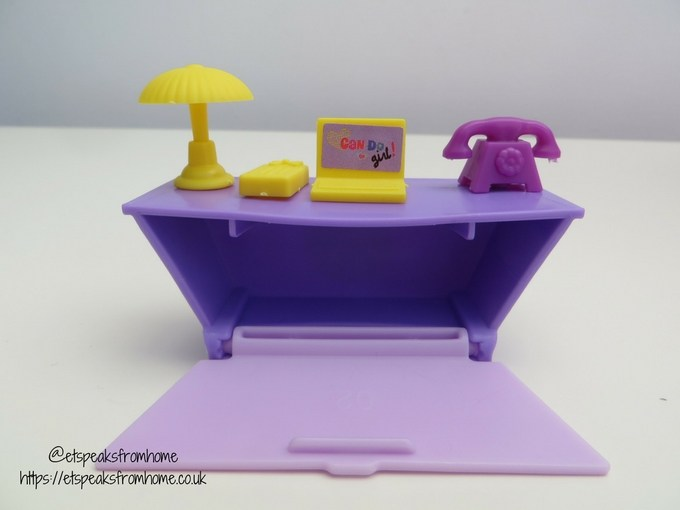 Minnie Mouse Happy Helpers House office table