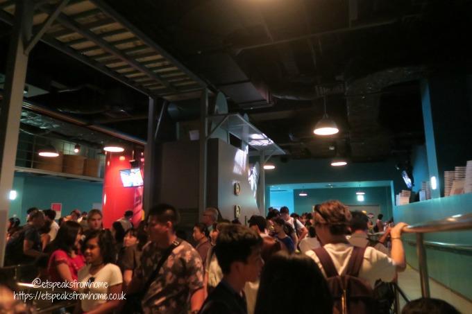Universal Studios Osaka spiderman ride queue