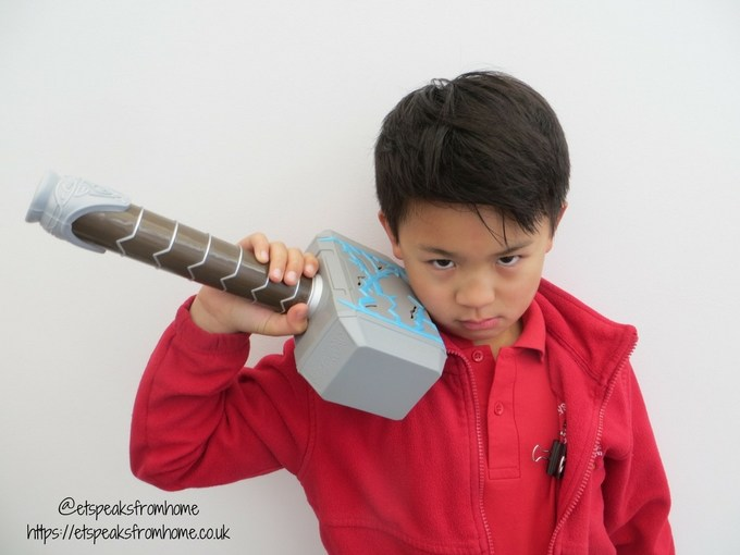Hasbro Thor Ragnarok thor hammer