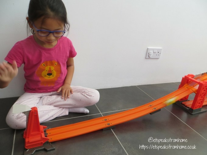 Hot Wheels Track Builder Stunt Bridge Kit playing