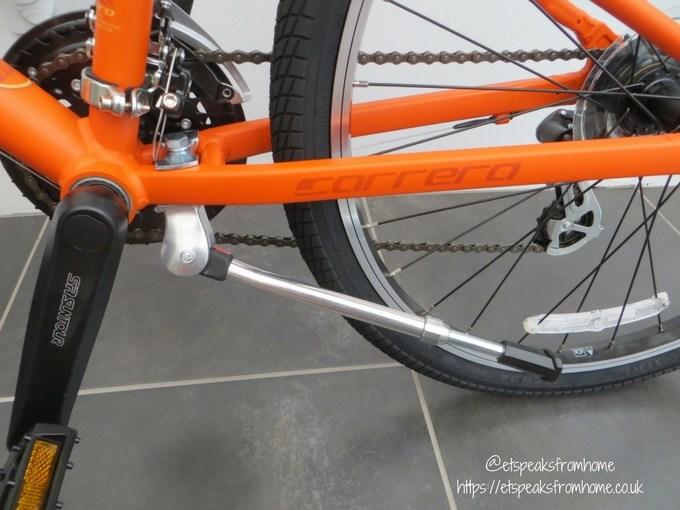 Carrera Abyss Junior Hybrid Bike kick stand