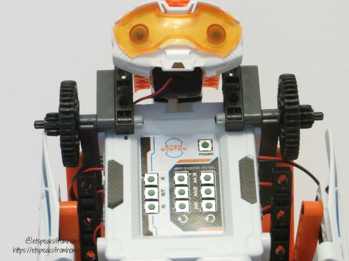 Clementoni RoboMaker Pro X5 Droid front eye