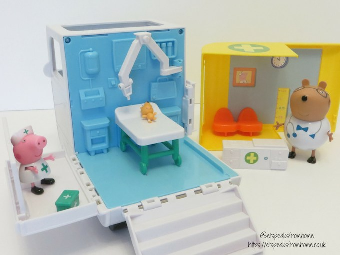 Peppa Pig Mobile Medical Centre operating theatre