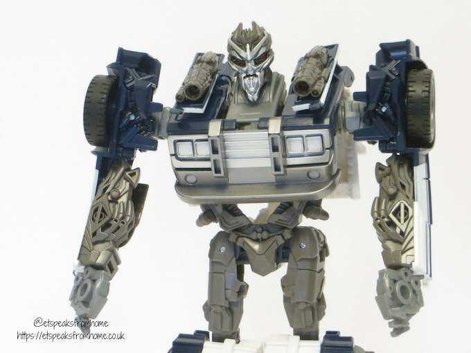 Transformers Barricade front