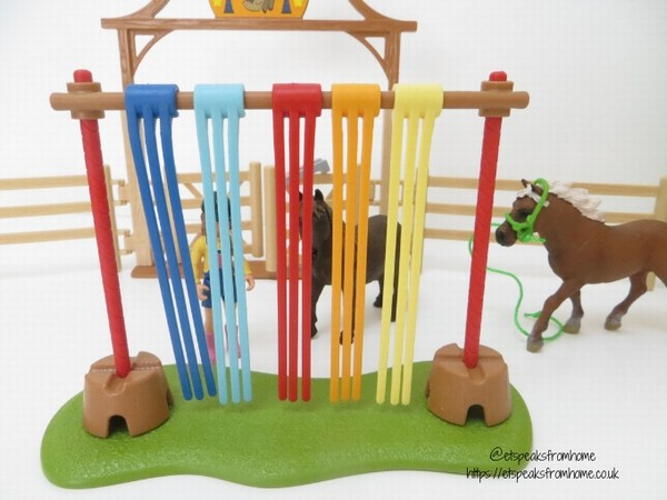 Schleich Pony Agility Training fly curtain