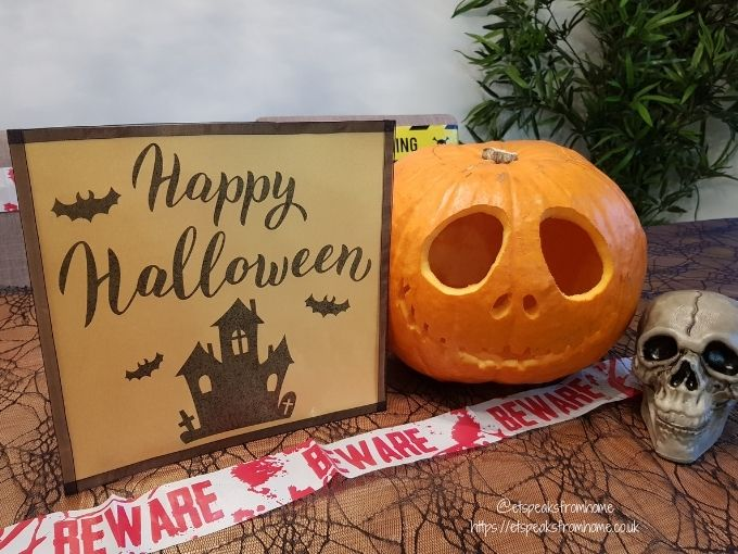 Halloween Craft with Design Bundles farmhouse sign