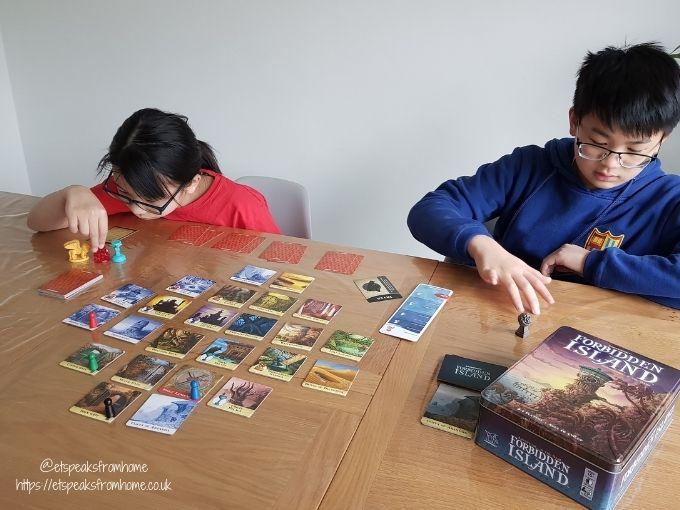 Forbidden Island playing