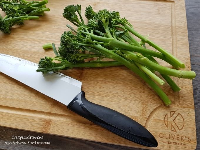 Oliver's Kitchen large bamboo Chopping Board using