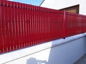 Clôture occultante lamelle alu rouge Ets Thomas entre Blois et Romorantin