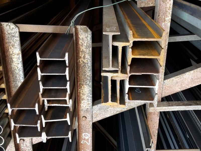 Fer acier, Poutrelle IPN pour la construction de bâtiment