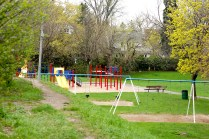 playground, swings, Heinis' poem