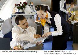 Jede zweite Fluggesellschaft verschleiert Zusatzkosten – Lufthansa Gesamtsieger, Air Berlin beim Service vorn