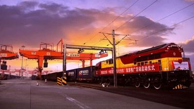 Güterzug im Panda-Look bewirbt Sichuan als Reiseziel