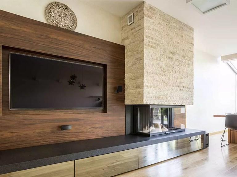 חיפוי עץ לקיר טלוויזיה