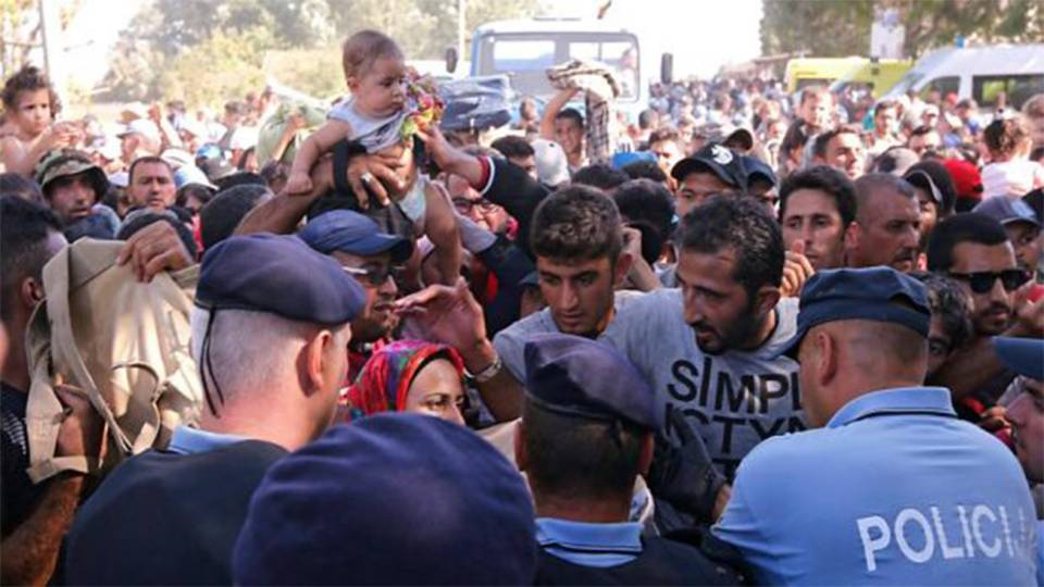 Migrants being amassing at the border between Bosnia and Serbia
