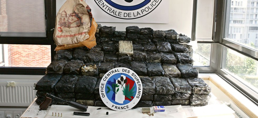 One ton of cocaine seized in French port of Le Havre