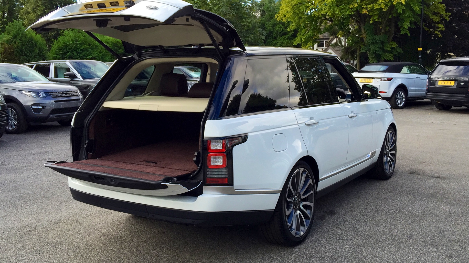 Used Land Rover Range Rover 3 0 Sdv6 Hev Autobiography 4Dr Auto